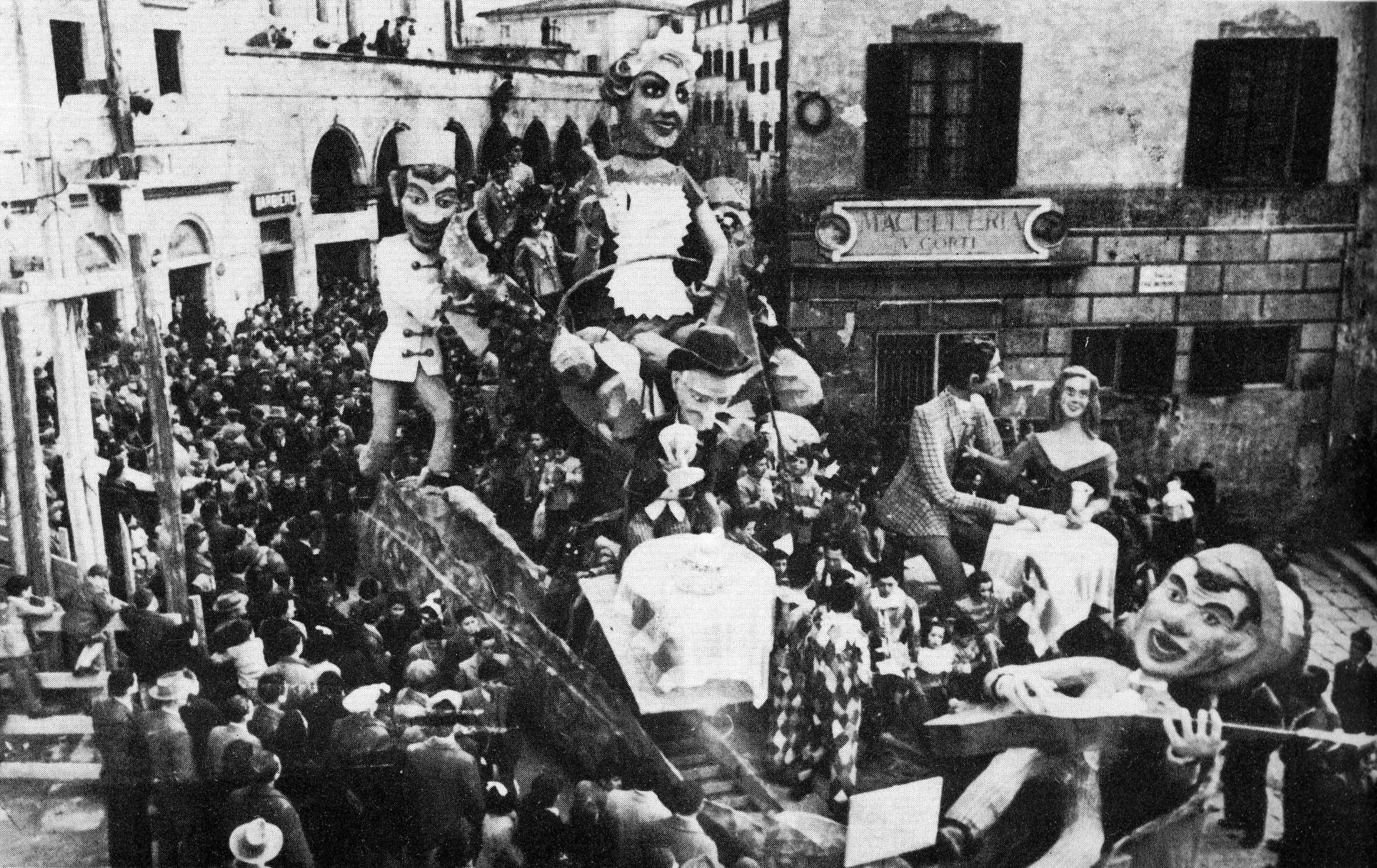 SALSA PICCANTE AL CARNEVALE -1953